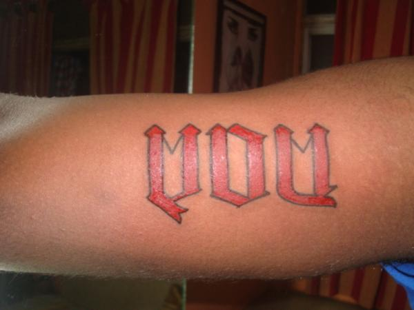 mom-tattoo-ambigram-script