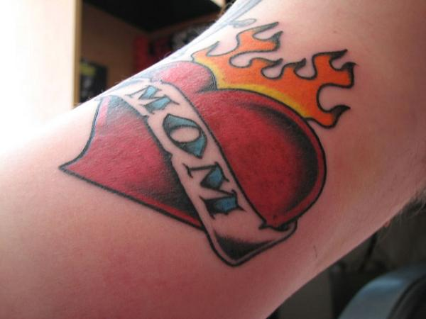 mom-tattoo-burning-heart