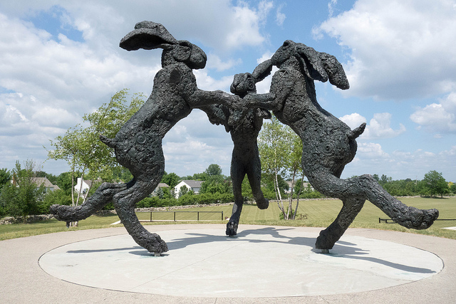 dancing-hares-bronze-sculpture-1