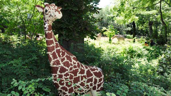 Lego Sculpture Giraffe