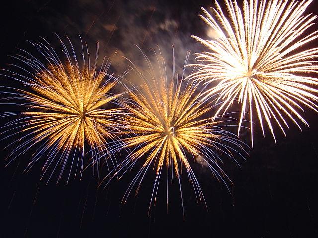 640px-Bratislava_New_Year_Fireworks