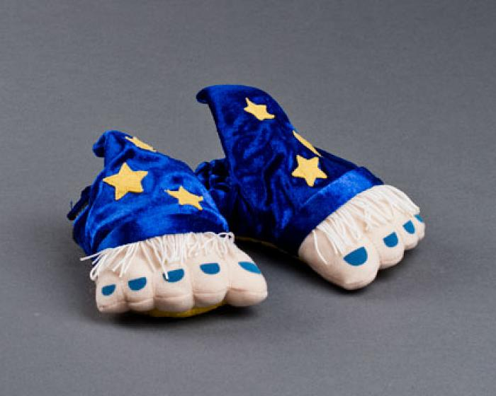 Toddler's Wizard Feet Slippers 1