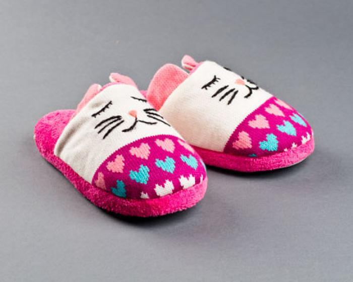 Knitted Clog Cat Slippers 1