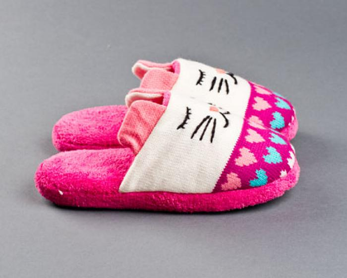 Knitted Clog Cat Slippers 2