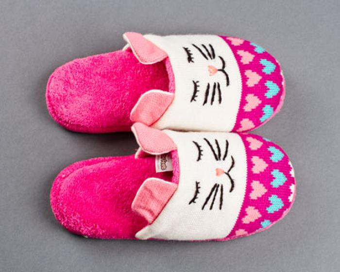 Knitted Clog Cat Slippers 4