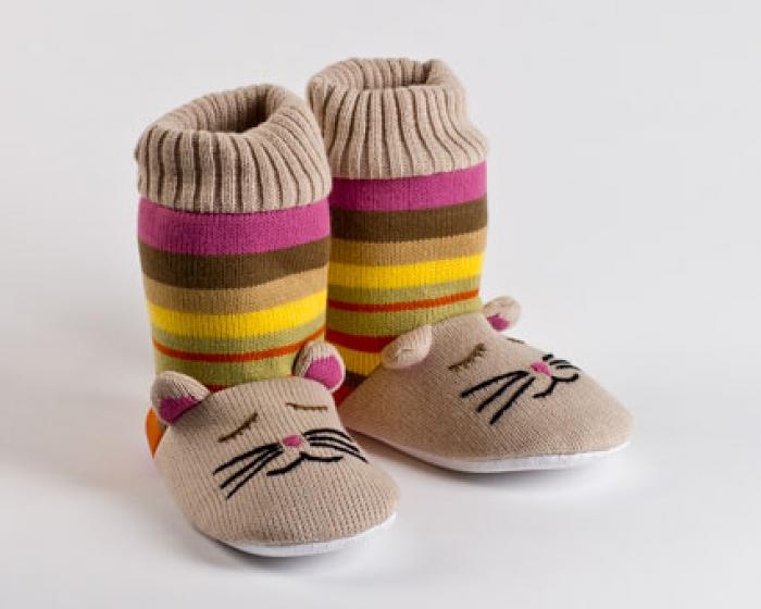 Knitted Sock Cat Slippers 1