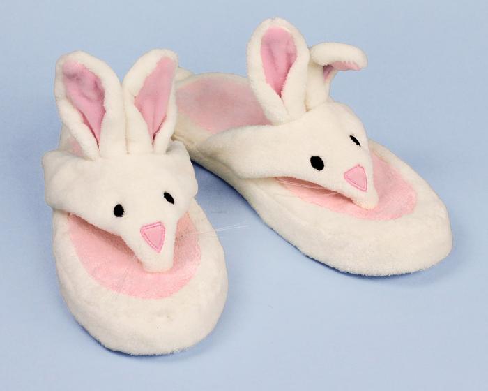Bunny Spa Sandal 3/4 View