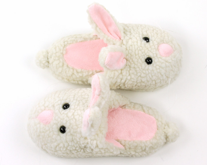 How to pick bunny slippers for women and men.