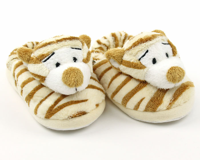 We have tiger slippers for babies all the way up to full-grown adults because everyone deserves a pair. We have pink tiger slippers, white tiger slippers, bengal tiger slippers, and even leopard slippers!